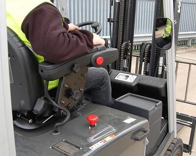 TCM İstif Makinası Operatör Konforunu Nasıl Garantiler?